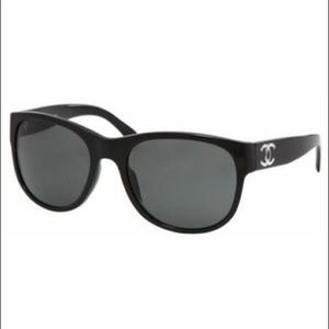 CHANEL 5182 Sunglasses in Black